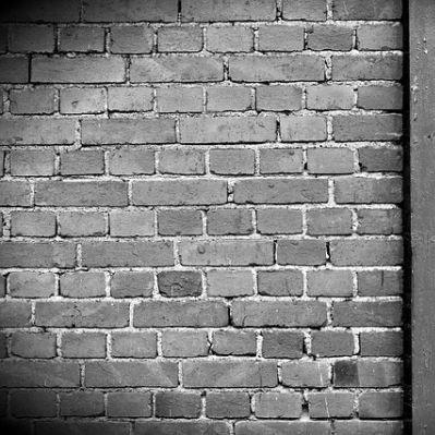 Dichtschlämme außen auftragen: So dichten Sie Ihre Kelleraußenwand ab